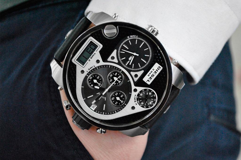наручные часы Дизель на мужчине